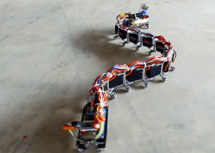 Arduino snake robot kit can be controlled via your smartphone