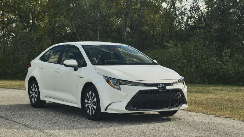 Toyota Ups Hybrid Battery Warranty on 2020 Models