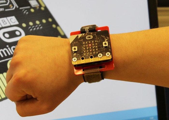 Micro:bit DIY step counter - Geeky Gadgets