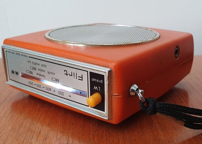 Raspberry Pi Internet radio 1970's style