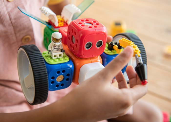 Robo Wunderkind robot kit for kids