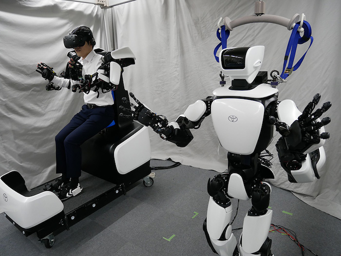 Toyota shows off its T-HR3 Humanoid Robot - Geeky Gadgets