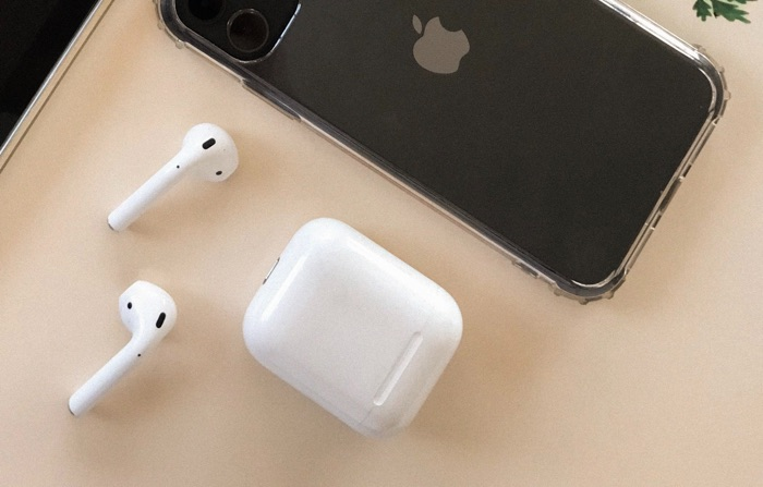 Apple Supposedly Planning On Bundling AirPods With 2020 iPhones