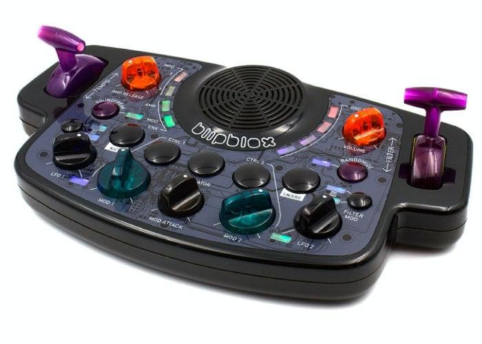 Blipblox synthesizer