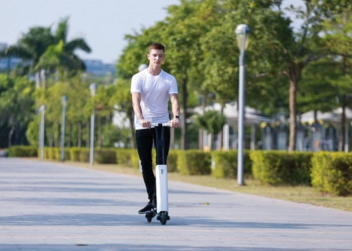 Mantour X lightweight electric scooter weighs just 16lbs