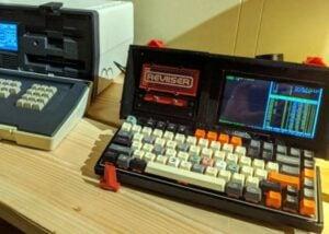Raspberry Pi Reviiser Cyberdeck