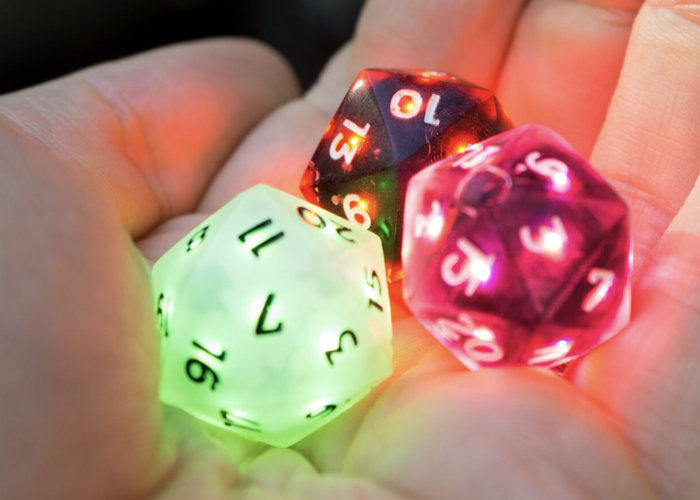 Smart gaming dice