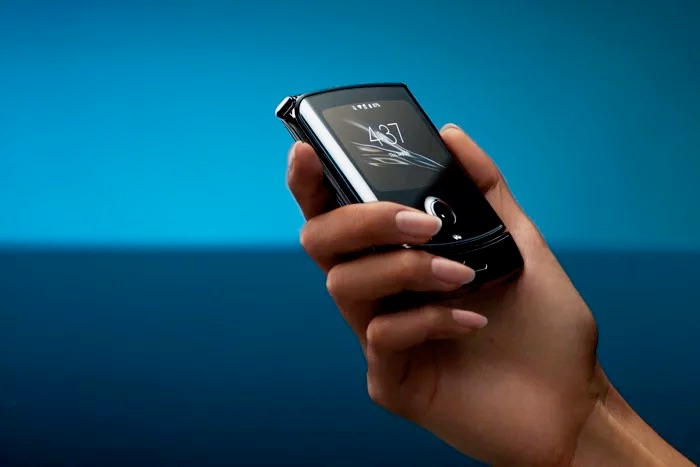 Motorola Razr up for pre-order with EE