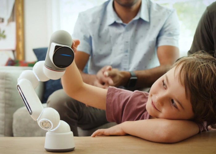 Clicbot educational robot features a modular design with over 200 interactions - Geeky Gadgets