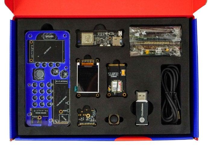 CircuitMess Ringo mobile phone kit