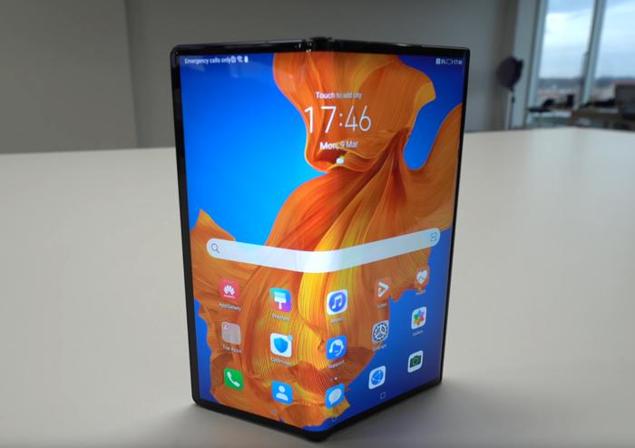 Huawei Mate Xs smartphone