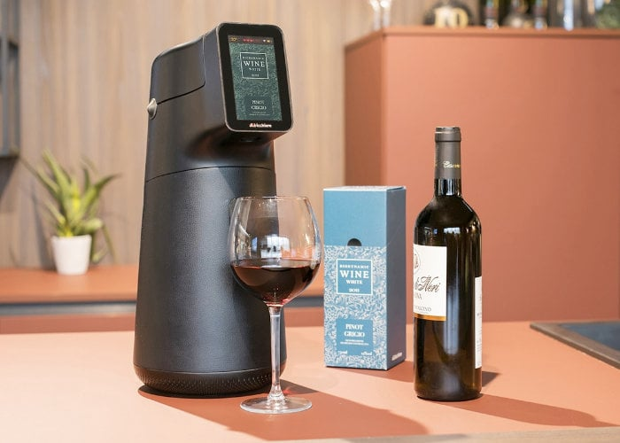 Albicchiere wine dispenser preserves your wine for up to 6 months
