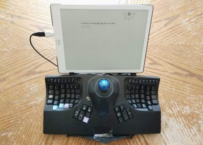E Ink laptop
