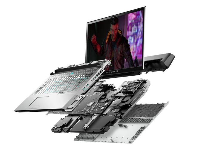 Alienware Area-51m gaming laptop-1