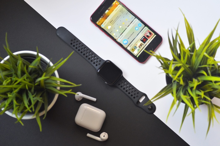 Apple's stranglehold on wearables market continued in Q1