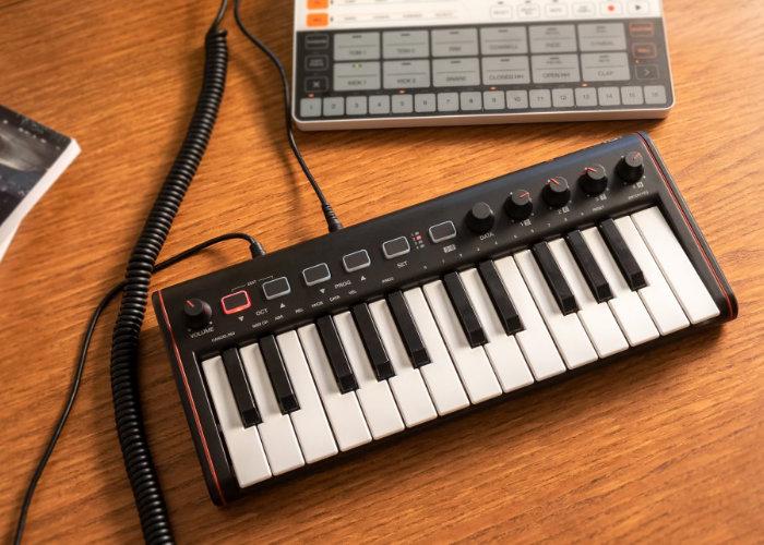 iRig Keys 2 Mini MIDI controller