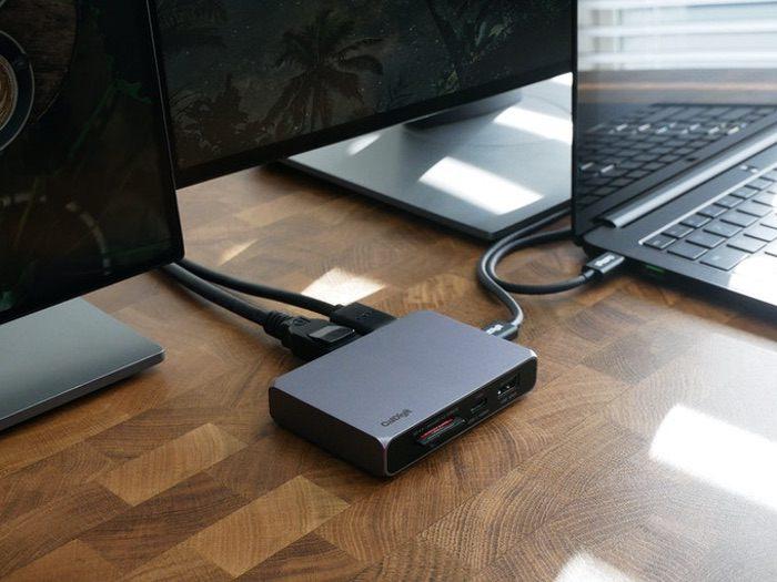 4k hub and charger