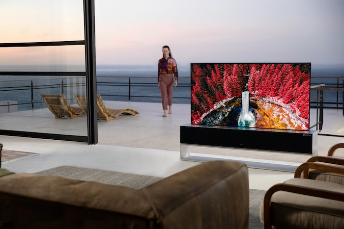 LG SIGNATURE OLED R rollable