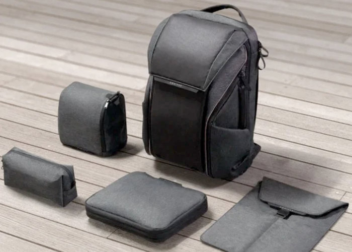 DAWN backpack with light strip, modular storage and more from $129 - Geeky Gadgets