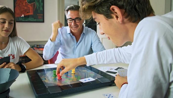 SquareOne board game console
