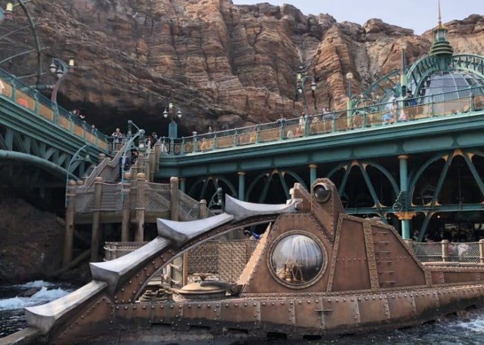 Disney 20,000 Leagues ride