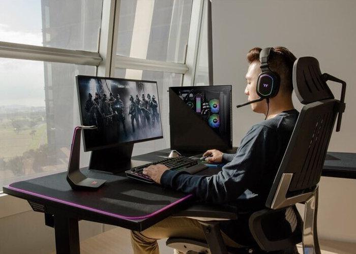 Thermaltake ToughDesk 500L RGB Battlestation gaming desk