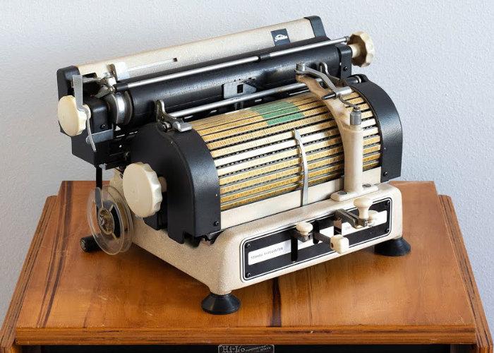 Toshiba Typewriter 1940