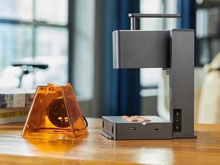 LaserPecker 2 mini laser engraver