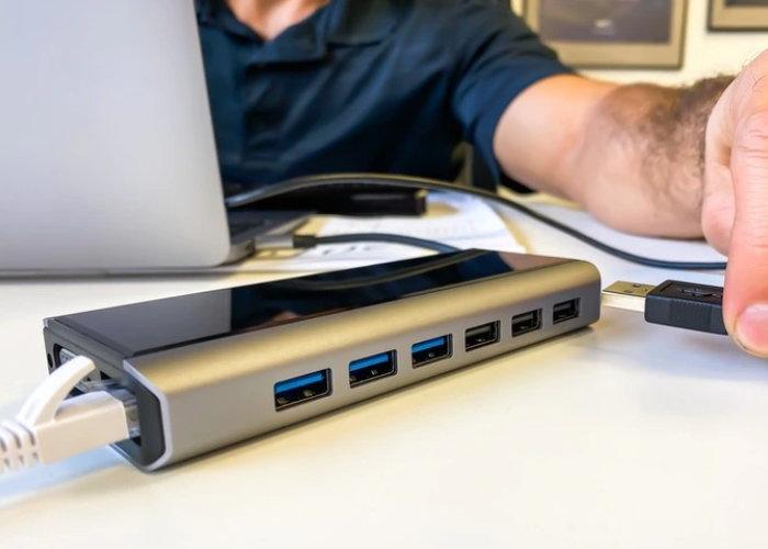 DockPro laptop Hub