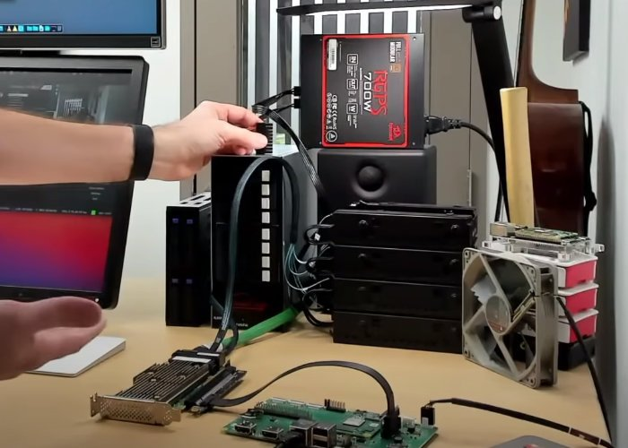 Raspberry Pi connected to 16 hard drives