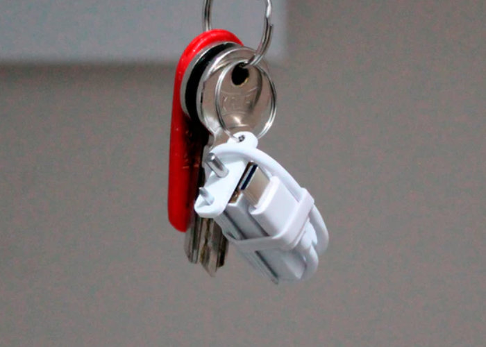 NAO keychain emergency phone charger
