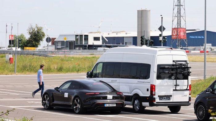 Porsche traffic safety