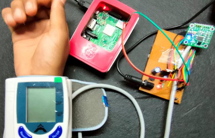 Raspberry Pi blood pressure sensor monitor