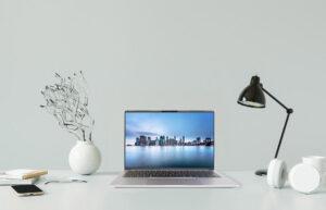 Slimbook Executive lightweight Linux laptop