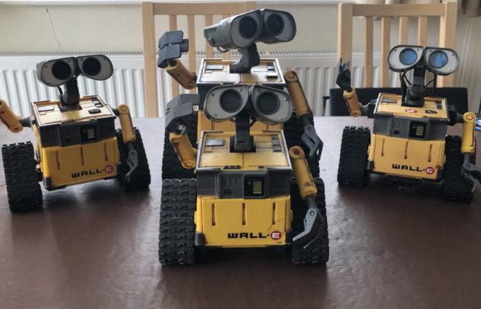 Build your own WALL-E robot using a little Arduino