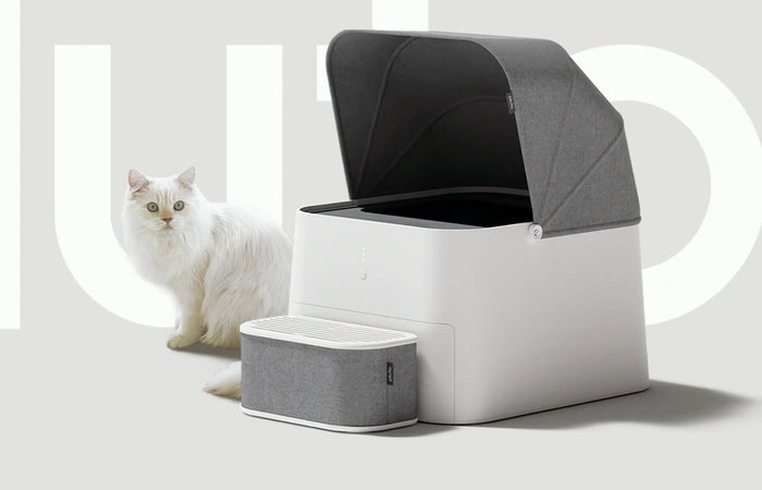 Pluto Square self-cleaning cat litter box