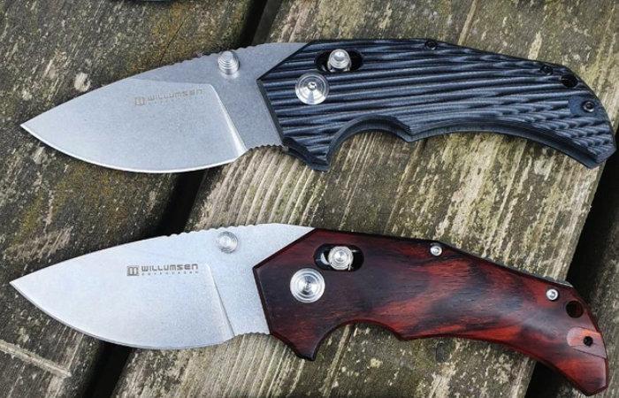 Red E Axis lock pocketknife