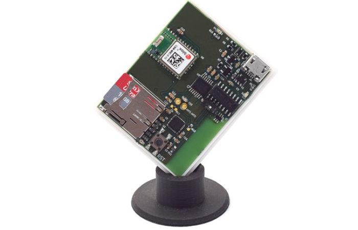 Unsurv offline open source compact GNSS receiver with ESP32