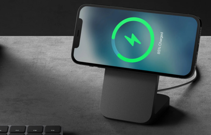 Nomad Mount MagSafe iPhone stand
