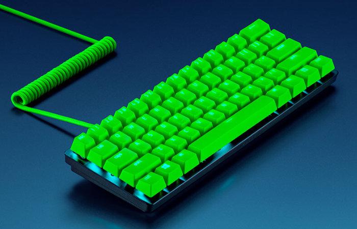 customise your keyboard with razor