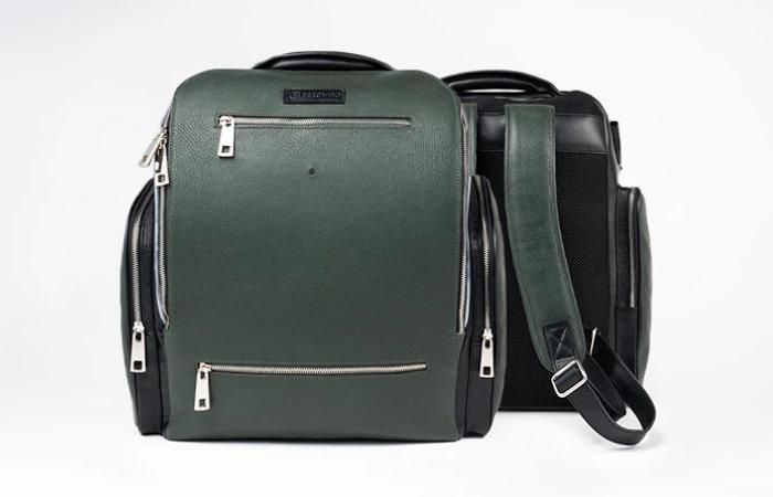 Seeon solar panel backpack