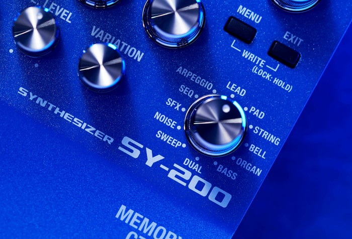 Boss SY-200 synthesizer guitar pedal