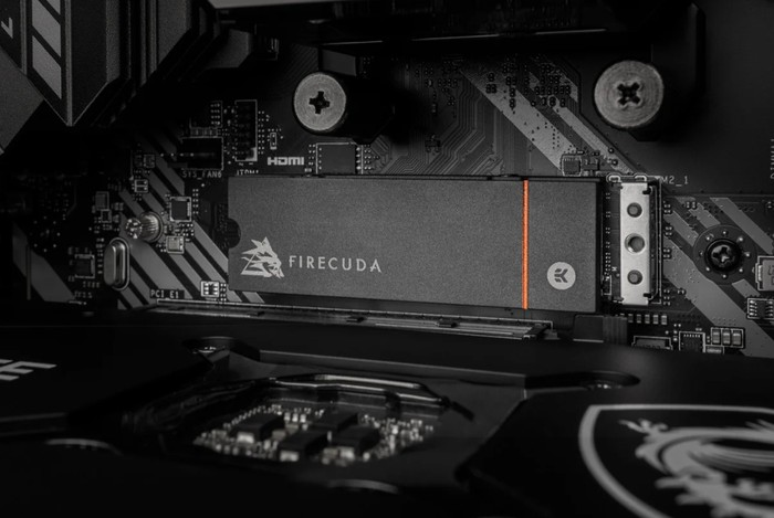 FireCuda 530 SSD heatsink hard drives