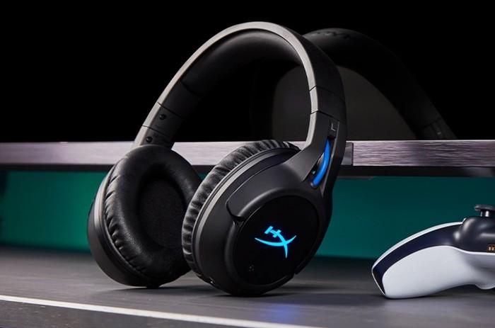 HyperX Cloud Flight wireless PlayStation gaming headset