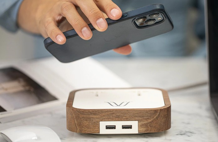 Italian designed premium 15W wireless charger