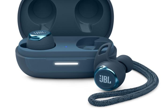 JBL Reflect Flow PRO wireless earphones