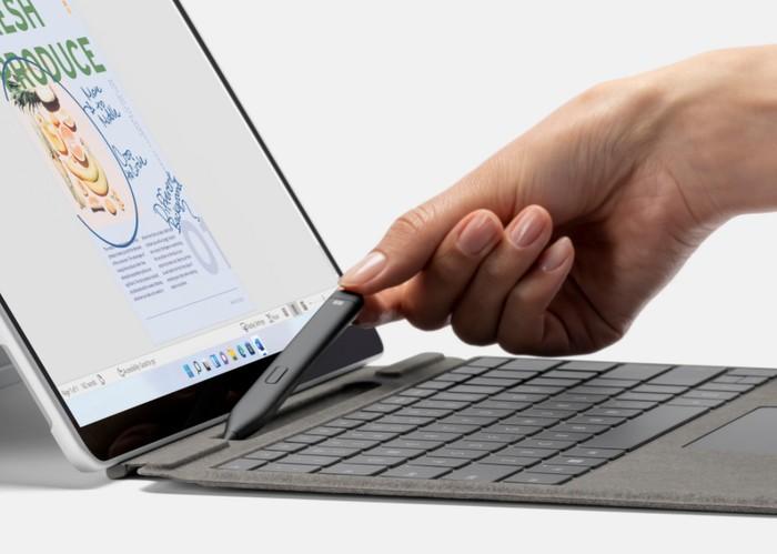 Microsoft Surface Pro 8 tablet stylus