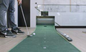 PUTTR smart indoor golf putting green